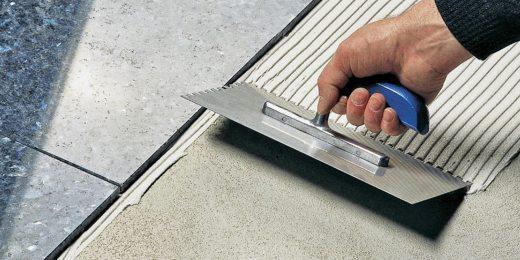 Comment étendre les colles et ciment colle pour carreler ?