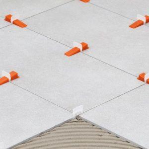 Gereedschappen en toebehoren voor het plaatsen van tegels